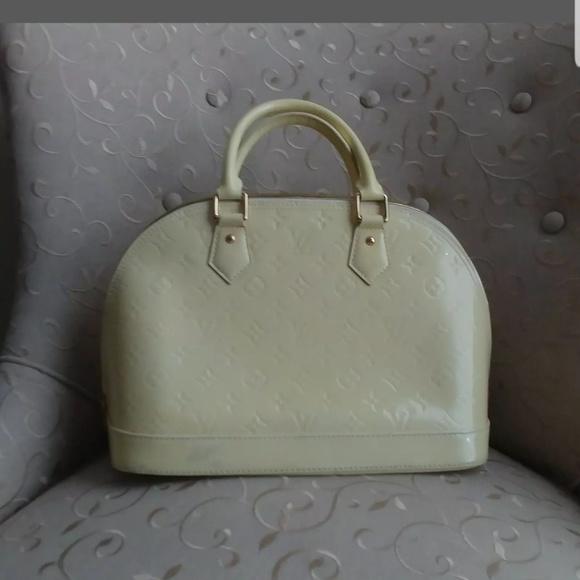 Louis Vuitton Handbags - 💯 athuntic 🌺🌺Louis Vuitton Monogram 😘😘😘